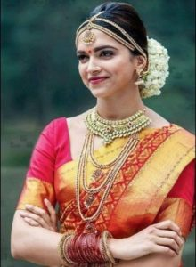 Deepika Padukone In Saree In Chennai express Movie